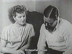 Peloso ragazzo penetrare il suo nuovo amico (1950s vintage)